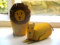 Roll up to the Zoo: making animals out of cardboard tubes // Vamos al Zoo: crea animales con rollos de papel #kbn #kidsactivities #kidscrafts #activitiesforkids #parenting #craftforkids #diy #actividadesparaniños #actividadesniños #manualidades #manualidadesniños #manualidadesparaniños #ideasqueinspiran #parentingideas #easycrafts #summeractivities #diycrafts #recycledcrafts #recycled #recycling #upcycle #reciclado #carboardtubes #papertubes #toiletpapertubes #rollosdepapel #rollosdecarton