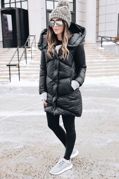 Winter Style // Black and grey winter outfit.