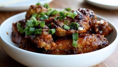Chicken wings you can set up in the Crock-Pot on Super Bowl Sunday -- they'll be perfect by game time!