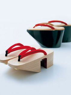 Maiko's wooden clogs, Kyoto, Japan - More wonderment st the discipline, wow!