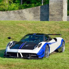 The Pagani Huayra - Super Car Center Pagani Huarya, Pagani Huayra Bc, Koenigsegg, Maserati, Bugatti, Liberty Walk, Car In The World, Exotic Cars, Luxury Cars