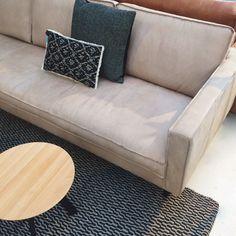 De populaire Slimm bank in deze prachtige kleur Corrida in Gobi open analine leder van Design 5 is nu tijdelijk voor een zeer scherpe prijs verkrijgbaar!   Bestellen van deze actie kan echter alleen in onze winkels. Maar je wil natuurlijk even komen proefzitten, toch?   #loods5 #design #uniek #home #interior #interieur #wonen #styling #wooninspiratie #wanderlust @loods5_design