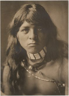 Yan-Tsire Willow Bird, San Ildefonso Native American. The San Ildefonso Pueblos are from New Mexico. Photo by Edward Sheriff Curtis, 1905.