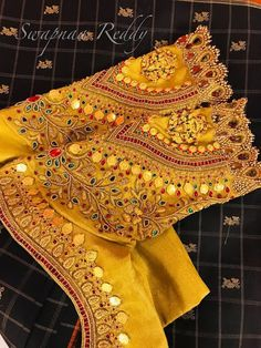Latest Jeweled Blouse designs for 2019 Cutwork Blouse Designs, Wedding Saree Blouse Designs, Best Blouse Designs, Pattu Saree Blouse Designs, Wedding Sarees, South Indian Blouse Designs, Wedding Blouses, Sari Bluse, Hand Work Blouse Design