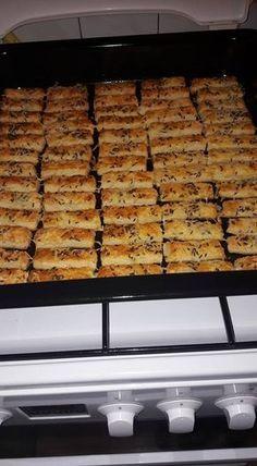 Lakodalmas sós! - Hétvégére kell egy kis ropogtatnivaló, na meg a vendégek is imádják! - Ketkes.com Hungarian Cake, Hungarian Recipes, Paleo, Cheese Straws, Savory Pastry, Salty Snacks, Nutella, Ham, Rolls