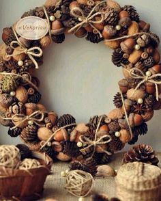 Recipes, DIY, Craft, Gardening, Crochet and Kids activities. Christmas Candle Decorations, Christmas Wreaths To Make, Noel Christmas, Handmade Decorations, Christmas Projects, Autumn Decorations, Wreath Crafts, Diy Wreath, Autumn Crafts