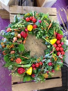Allotment Gardeners Wreath A wreath made to remember an allotment gardener. Funeral Flower Arrangements, Fruit Arrangements, Funeral Flowers, Wedding Flowers, Funeral Caskets, Corona Floral, Casket Sprays, Funeral Tributes, Fairy Gifts