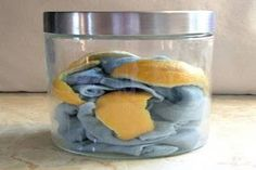 But I hate dusting. Lemon dust cloths that take just minutes to prepare. These cloths are damp and infused with vinegar to help catch and kill the bugs at the same time. The addition of olive oil and lemon rind bring a soft polish to your furniture. Homemade Cleaning Products, Cleaning Recipes, Natural Cleaning Products, Cleaning Hacks, Cleaning Supplies, Cleaning Cloths, Diy Cleaners, Cleaners Homemade, Household Cleaners