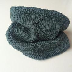 HJERTERPÅENSNOR-HALS Knitted Hats, Knitting, Fashion, Threading, Moda, Tricot, Fashion Styles, Breien, Stricken