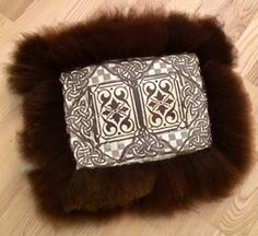 Sheepskin rug... small Sheepskin Rug, Rugs, Leather, Accessories, Products, Farmhouse Rugs, Rug, Gadget, Jewelry Accessories