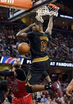 To open up the second half of the season, the Cavaliers gathered their fourth straight victory with a strong defensive effort. We Are The Champions, Nba Champions, Cleveland Cavs, Basket Sport, Kevin Love, Tristan Thompson, Basketball Pictures, Basketball Teams, Nba Players