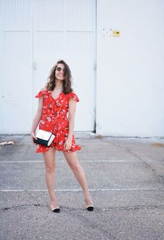 Our Chicisima of the week @alphasdreams rocking this season's floral playsuit 🌺