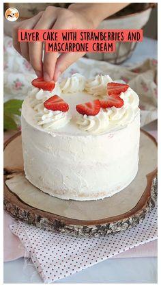 Strawberry Whipped Cream Cake, Strawberry Cake From Scratch, Strawberry Layer Cakes, Whipped Cream Cakes, Strawberry Cake Recipes, Cake Recipes From Scratch, Summer Cake Recipes, Summer Cakes, Desert Recipes