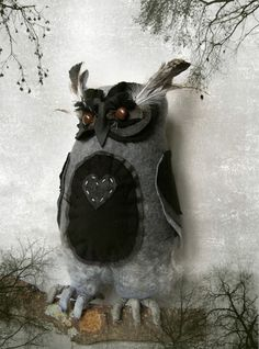 textile/wool handmade owl