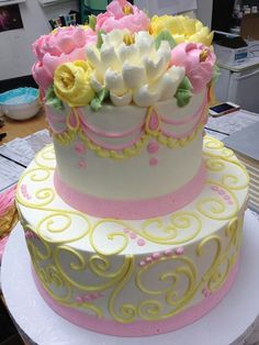 Yellow and Pink Cake Gorgeous Cakes, Pretty Cakes, Cute Cakes, Amazing Cakes, Buttercream Flower Cake, Cake Icing, Cupcake Cakes, Frosting, Buttercream Decorating