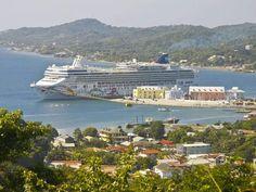 La Isla de Roatán es el principal atractivo turístico preferido por los extranjeros. Honduras tiene la mejor oferta turística de Centroamérica.  Playas, turismo de montaña, arqueología y buceo son parte de lo que ofrece el país. Unos 70,000 extranjeros arribarán en este periodo de asueto.