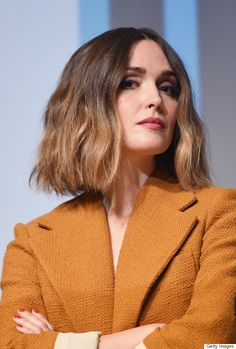 There's so much we love about this look that we don't know where to start! From Rose Byrne's textured, ombré bob and berry-stained lips to her cherry red manicure that pops against her mustard blazer, this lady means serious beauty business.