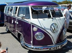 Purple VW Bus/Camper ~ want one! Para saber más sobre los coches no olvides visitar marcasdecoches.org