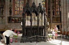 id Peter Vischer és műhelye: Sebaldus-síremlék, Nürnberg, St Sebald, 1507-19
