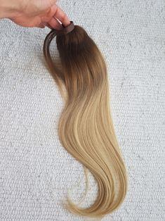 Prémium Sunny Ombre lófarok copf póthaj    🌺Hosszú élettartamú, több évig gyönyörű, puha lágy prémium minőségű  🌺40-60cm hosszig  🌺Kapható még az alábbi változatokban: Damilos póthaj, csatos póthaj, tresszelt haj, tincsezett haj  Megrendelhető webshopon házhozszállítással: csatospothaj.hu/webshop Viber: +36303898828  #hajhosszabbitas #hajhosszabbítás  #Felcsatolhatópóthaj Instagram