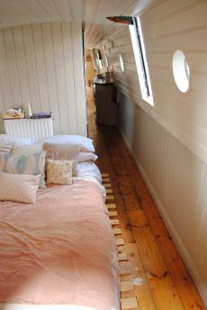 """Boats for sale UK, boats for sale, used boat sales, Narrow Boats For Sale Historic Narrowboat """"Aspen"""" - Apollo Duck // cuteness x Living On A Boat, Tiny Living, Living Spaces, Slow Living, Barge Interior, Interior Exterior, Narrow Boats For Sale, Canal Boat Interior, Canal Barge"""
