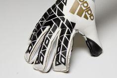 74 Best Goalie Gloves images   Goaltender, Fo porter, Football gloves b4555188ca