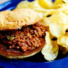I used to be terrified of sloppy joes. It's true. When I was a little girl, I got it in my head that sloppy joes were demons, and that if I ate them I'd become possessed and die. Okay, …freezer sloppy Joe by Pioneer woman Homemade Sloppy Joes, Sloppy Joes Recipe, Crockpot Sloppy Joe Recipe, Homemade Manwich, Homemade Sloppy Joe Recipe, Freezer Cooking, Freezer Meals, Freezer Recipes, Gastronomia