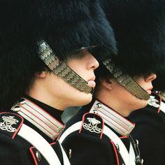 The royal guard looking all serious at #amalienborg #palace. Thanks to @stukiepics for the great shot! #visitdenmark #copenhagen #royalfamily #royalty by govisitdenmark