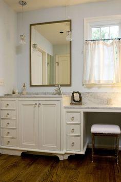 Cafe curtain in bathroom | Birmingham's Twin Construction | Twin Companies