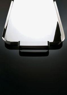 Scopri Piano/vassoio Tau, Inox di Alessi, Made In Design Italia
