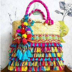 Vacaciones a la Vista ! Verano Bendito Sol inf inbox whats 9933 023097 Diy Clutch, Diy Purse, Jute Bags, Boho Bags, Linen Bag, Basket Bag, Beautiful Handbags, Fabric Bags, Summer Bags