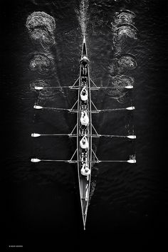 Rowing Team black and white, photography by Jesse Harding. Sport Photography, Aerial Photography, Unity Photography, Symmetry Photography, B&w Tumblr, Principles Of Design, Kayak, Photo B, Foto Art