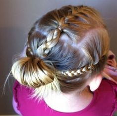 Teenager-Frisuren Afroamerikaner Lockiges Haar - Fun School Hairstyles for Young Girls - Teenage Hairstyles, Little Girl Hairstyles, Trendy Hairstyles, School Hairstyles, Prom Hairstyles, Braided Hairstyles Updo, Updo Hairstyle, Braided Updo, Girls Hairdos