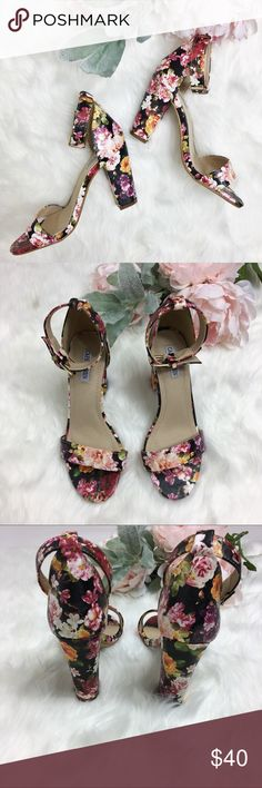 Cape Robbin Floral Ankle Strap Sandal Chunky Heels Description: Gorgeous floral heels with thick heel and ankle strap detail.  Size: 6.5 Condition: Like New  @sugarblooms Cape Robbin Shoes Heels