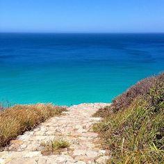 """""""A alguns passos do paraíso, também conhecido como Praia Brava, em Arraial do Cabo  @mariamaunula #napraiaRIO"""""""