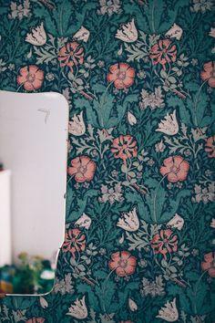 Wallpaper Lounge, Green Wallpaper, William Morris Wallpaper, Morris Wallpapers, Morris Tapet, William Morris Patterns, Wood Engraving, Linocut Prints, Kidsroom