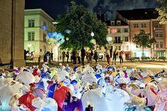 Illuminating Garbage to Raise Awareness About Plastic Bags - My Modern Metropolis