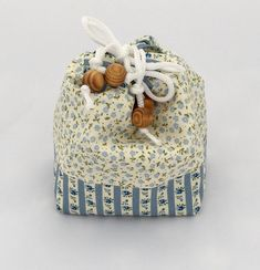 Lightweight Fabric storage pouch, A combination of 2 coordinating fabrics. Fully reversible and can be used open or closed. Storage Tubs, Fabric Storage, Drawstring Pouch, Coordinating Fabrics, Wooden Beads, Travel Bag, Great Gifts, Handmade Items, Jewellery