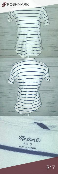 Madewell Navy Striped Tee Sz S White tee with navy stripes in size small.  This item is in great pre owned  condition. I think it's been worn once!! Madewell Tops Tees - Short Sleeve