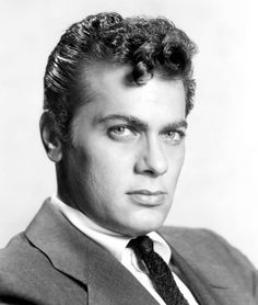 Tony Curtis - Look at those lips! Hollywood Actor, Hollywood Stars, Classic Hollywood, Old Hollywood, Tony Curtis, Janet Leigh, Jamie Lee, Classic Movie Stars, Hooray For Hollywood