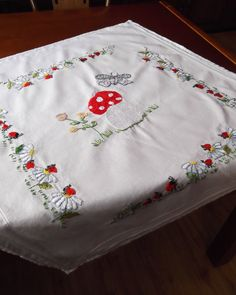Vintage naive folk art tablecloth topper by CzechGlassCollector, zł40.00