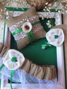 Аксессуары для свадьбы в стиле рустик Подвязка, подушка для колец и бутоньерка
