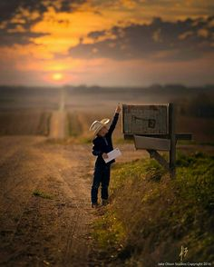 Mail Man by Jake Olson Studios Photography Country Charm, Country Life, Country Girls, Country Roads, Country Living, Cute Pictures, Cool Photos, Beautiful Pictures, Country Scenes