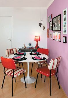 http://www.minhacasaminhacara.com.br/decorando-a-sala-de-jantar/