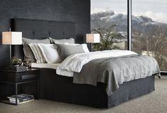 våkne opp i nytt sengetøy er som å våkne opp til en drøm. Master Bedroom Makeover, Bedroom Inspo, Bedroom Colors, Bedroom Decor, Glam Bedroom, Sofa Design, Interior Design, The White Company, Gallery Wall Bedroom