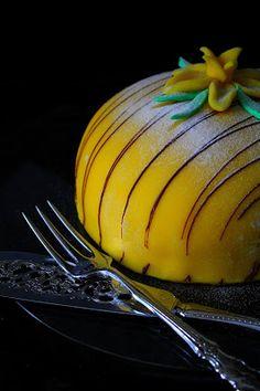 Kakkuviikarin vispailuja!: Pasha-kakku Cantaloupe, Pumpkin, Fruit, Vegetables, Food, Pumpkins, Vegetable Recipes, Eten, Veggie Food