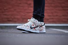 Nike SB - Dunk High Pro (Saul / Black / Light Crimson / White) :: Cherry Blossom-Print