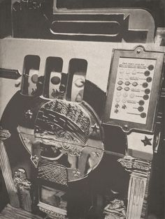 This one-armed bandit was one of the first slot machines we had! Did you know that #CircusCircus is one of the few casinos that still have the #classic coin machines in Las Vegas?