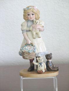 "Jan Hagara Porcelain Figurine ""GOLDIE"" #5917 Limited Edition Artist Signed   eBay"