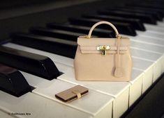 Dollhouse Miniatures (HM01) Artisan handmade designer purse handbag 1/12